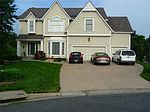 5504 NE Oaks Ridge Ln, Lees Summit, MO