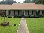 702 Tanglewood Dr, Clinton, MS