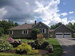 242 Pond Rd, Manchester, ME