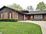 5 Hobson Ct, Woodridge, IL