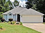 110 Pine Lakes Cir, Leesburg, GA
