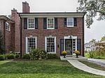 9146 Lawn Ave, Brentwood, MO