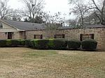 1880 Chevy Chase Ln, Beaumont, TX