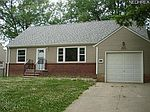 19171 Upper Valley Dr, Euclid, OH