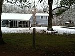 1345 Doc Fox Rd, Forest Hill, WV