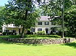 5 Twin Ponds Dr, Bedford Hills, NY