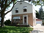2460 S 78th St, West Allis, WI