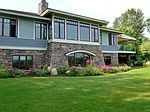 1035 Lake View Dr, Boyne City, MI