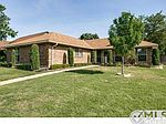 1600 Chesterfield Dr, Carrollton, TX