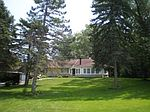 8530 N Fox Croft Ln, Fox Point, WI