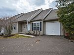 989 Independence Ln, Lansdale, PA