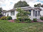 207 W Harrison St, Wakarusa, IN