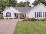 527 W Parkway Dr, Madison, OH