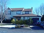 108 Independence Dr, Holland, PA
