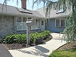 39 Smoketree Rd, Levittown, PA