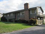 1104 Greenview Dr, Cave City, KY