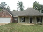 729 Forest Woods Dr, Jackson, MS