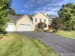 2075 Pine Nook Ct NE, Grand Rapids, MI