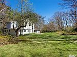 19 Hilldale Ln, Sands Point, NY