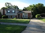9801 Stanalouise Dr, Louisville, KY