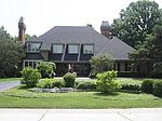 18 Highgate Ct, St Charles, IL