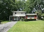 351 Hickory Ln, Delaware, OH