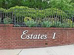 299 Starling Ct, Manhasset, NY