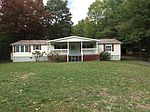 250 E Whitby Rd, Shady Spring, WV
