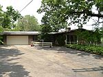 158 Big Oaks Rd, Trout Valley, IL