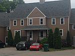 611 Brookhaven Ln, Woonsocket, RI