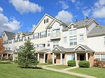 50 Canterfield Pkwy W, West Dundee, IL