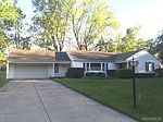 548 Meadowbrook Dr, Lewiston, NY