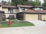 254 Heather Ct, Mayfield Heights, OH