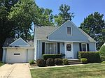 542 E 300th St, Willowick, OH