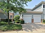 8 Mashie Ct # 8, Woodridge, IL