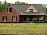 1919 Shady Wind Dr, Southaven, MS