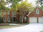 208 Holly Cir, Clayton, NC