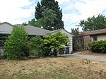 1215 E Main St, Medford, OR