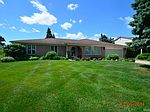 2568 Belle View Dr, Shelby Township, MI