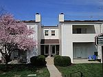 1811 Kenzie Dr, Pittsburgh, PA