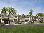 18 Pineview Dr, Waldwick, NJ