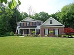 2104 Pierce Bluffs Dr, Hermitage, PA