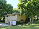 695 Northwood Dr, Uniontown, OH