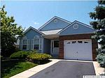 106 Chesterfield Ln, Toms River, NJ
