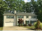 19170 Tanglewood Dr, North Royalton, OH