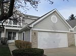 863 Stonebridge Ln, Crystal Lake, IL