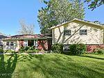 2805 Kincaid Dr, Woodridge, IL