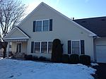 2 Avenrowe Ct, Fairless Hills, PA
