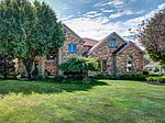 371 Sutherland Drive, Highland Heights, OH