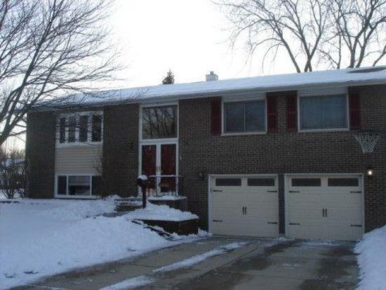 6832 Kincaid Ct, Woodridge, IL 60517